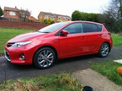 Auris Excel HSD - side - Vermillion