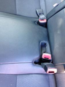 Yaris rear belts.JPG