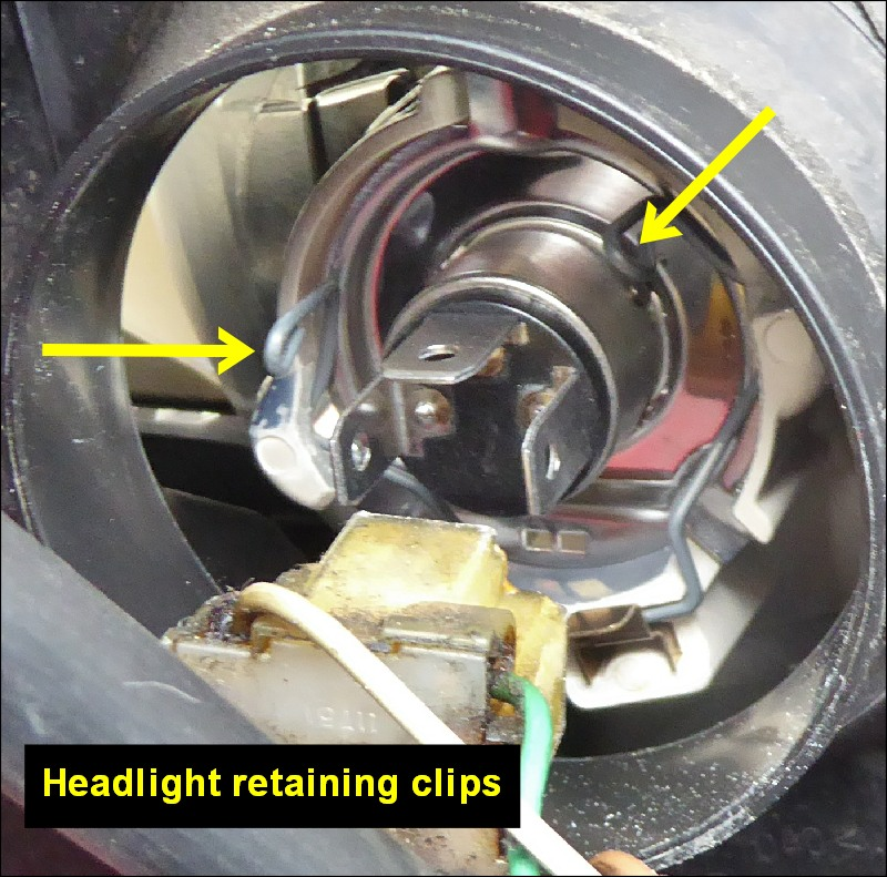 Yaris Headlight Retaining Clips 800w L10 Jpg