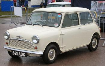 1024px-Morris_Mini-Minor_1959_(621_AOK).jpg